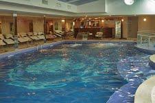 הבריכה במלון סטרימון, סדנה לאימון רגשי